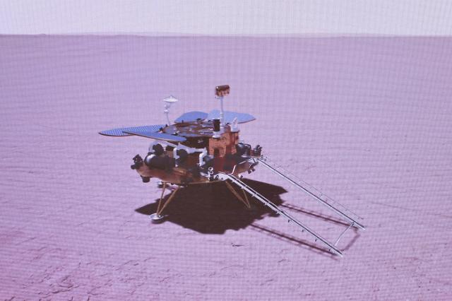 [포토] 10개월 여정 끝에 화성 착륙 성공한 중국탐사선