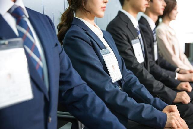 先月の若者就業者、18万人↑・・・3分の2はアルバイトやパートタイム労働者を含む臨時職