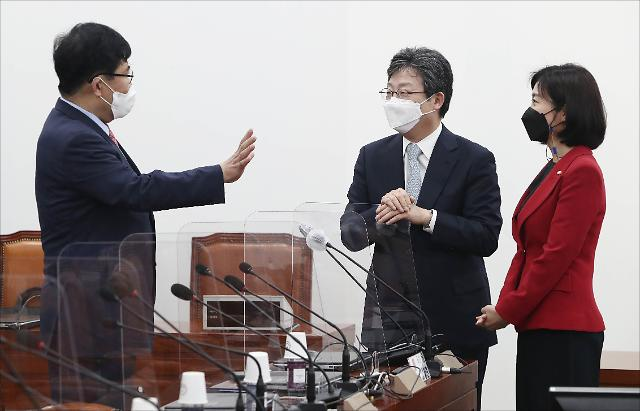 """유승민 """"청년들, 민주당 퍼주기 공약에 거침없는 하이킥"""""""
