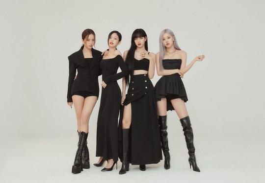 第四代爱豆横空出世 YG娱乐即将推新人女团