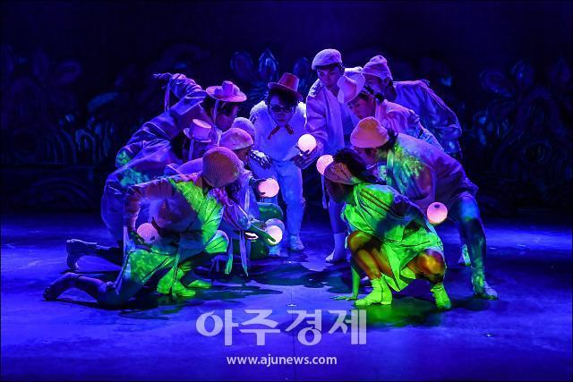 온 가족이 함께 보는 셰익스피어 음악극 '한여름 밤의 꿈'