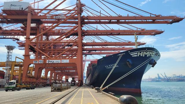 HMM, 중소 수출기업 지원 이어간다...미주향 임시선박 추가 투입