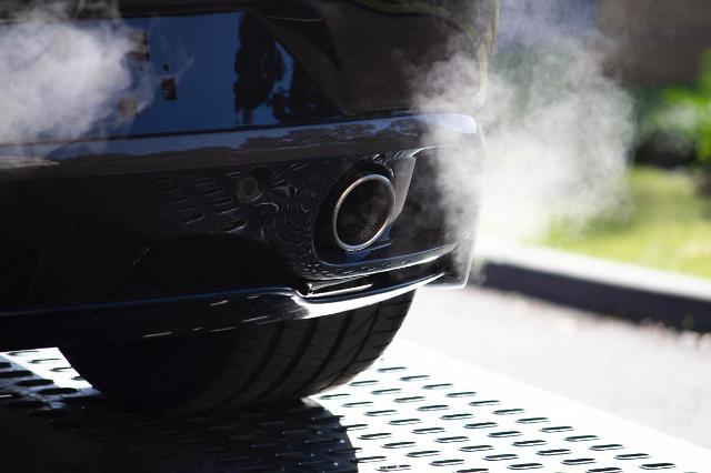 [NNA] 中, 배기가스 규정 위반 車 생산자 리콜 의무화