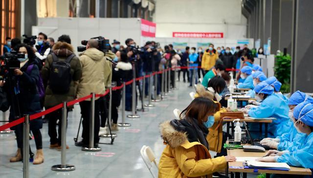 중국, 광저우 코로나19 확산세에 외출금지령