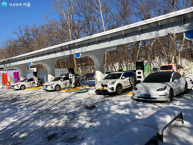 Seoul builds more rapid EV chargers to meet growing demands