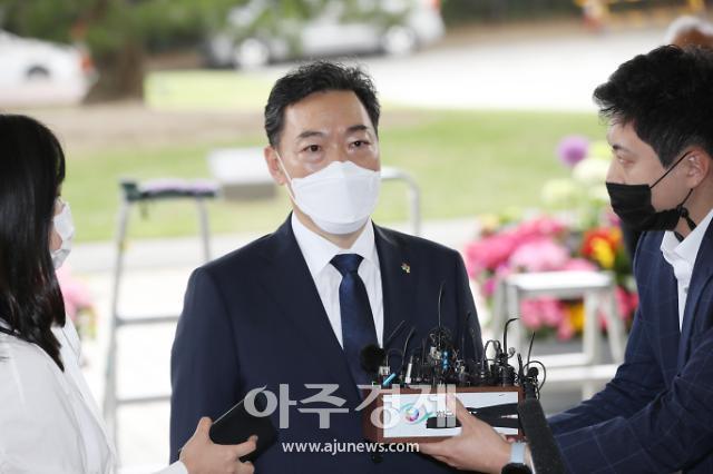 [뉴스분석] 김진욱 만나는 김오수 유보부 이첩 해결법 찾는다