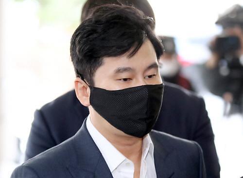 介入B.I吸毒案 检方起诉YG前代表梁铉锡