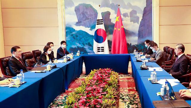 [단독] 韓·中 만남 줄줄이 연기…냉전·진전도 없이 멈춘 외교시계