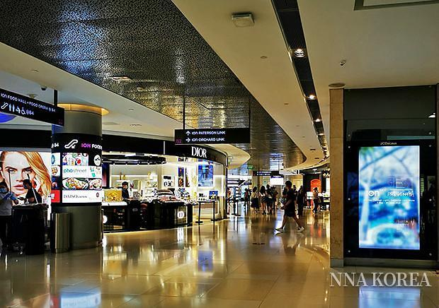 [NNA] 싱가포르 ION 오차드, 확진자 나와 4일간 시설폐쇄