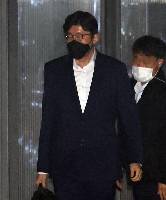 """檢 """"김학의는 피의자가 아니다. 상부허락 있다고 바뀌나"""""""