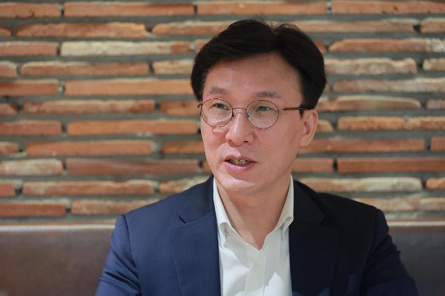 "[SNS 톡톡] 김민석 ""정세균 도덕성‧경제 모두 갖춘 사람"" 지지 선언"