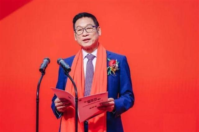 [WHO?] 폭스콘·캉스푸 창업자 제치고 대만 최대 부호 된 '신발왕' 장충위안
