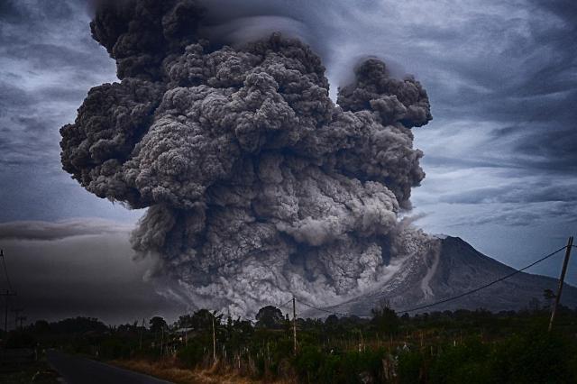[NNA] 필리핀 탈 화산 분출 징후... 지진 200회 넘어