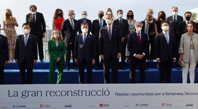 """문, 스페인 경제인들과 스킨십 행보…""""양국, 새로운 도전 두려워 안 해"""""""
