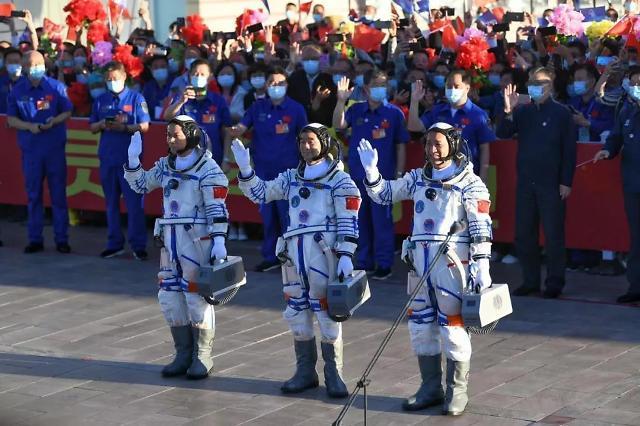 중국, 달·화성 거쳐 우주정거장…우주굴기에 들끓는 애국주의