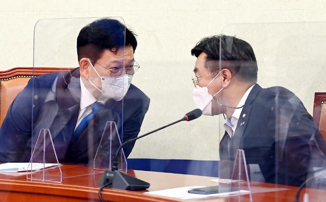 """윤호중 """"정무위·국토위 등 7개 위원장직 돌려주겠다...법사위원장은 흥정 대상 아냐"""""""