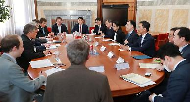 문승욱 산업부 장관, 체코 총리 만나 원전 수주전 시동