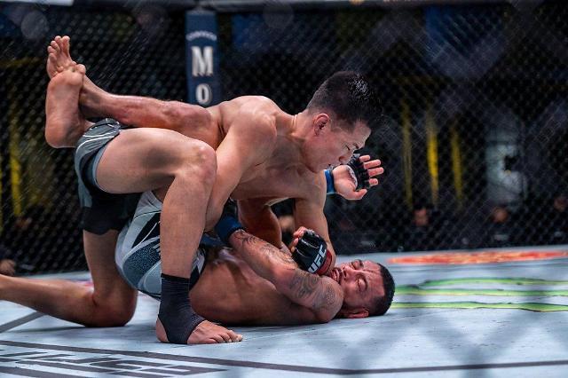 """정찬성 """"UFC, 첫 판정승 기분 이상…격투기 사랑해달라"""""""