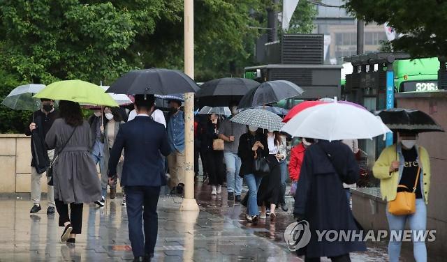 [내일 날씨] 내륙 곳곳에 천둥·번개 강한 비