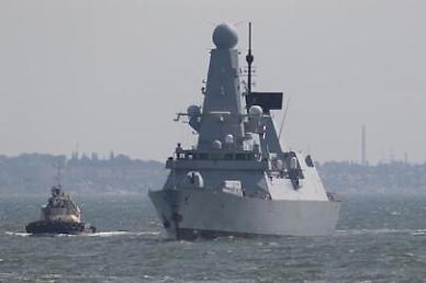 러시아, 수호이-24M 전폭기로 영국 구축함 차단 폭격