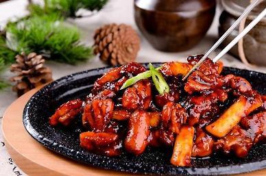 한국의 매운맛에 매료된 미국...떡볶이·불닭소스 수출 껑충