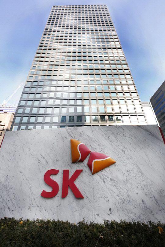 배터리 투자의 후폭풍···SK이노 자회사 배당 부담에 재무 리스크 급증
