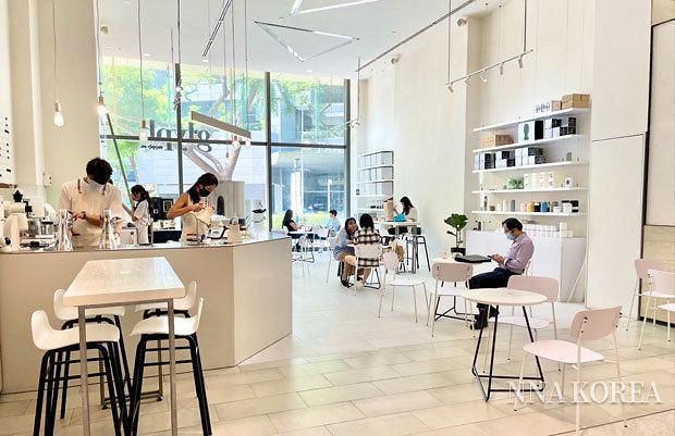[NNA] 싱가포르, 12일부터 코로나 규제조치 일부 완화