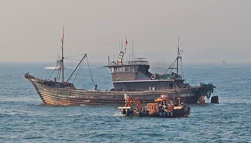 韩法院重判越界偷捕2名中国渔民170万罚金