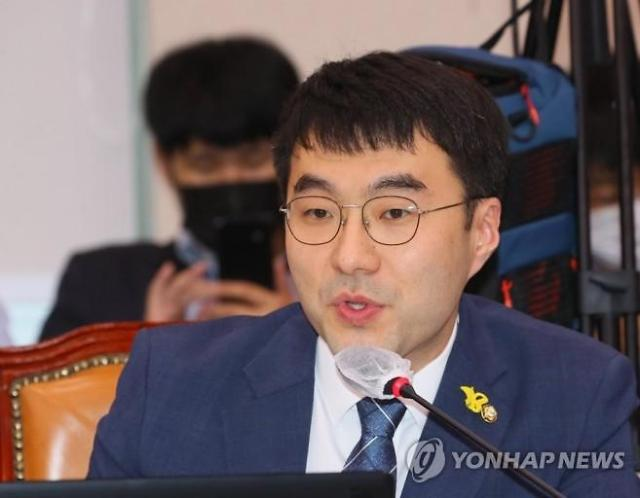 "[SNS톡톡] 김남국 ""윤석열, 주 120시간 근무? 워라밸·저녁 있는 삶 없나"""