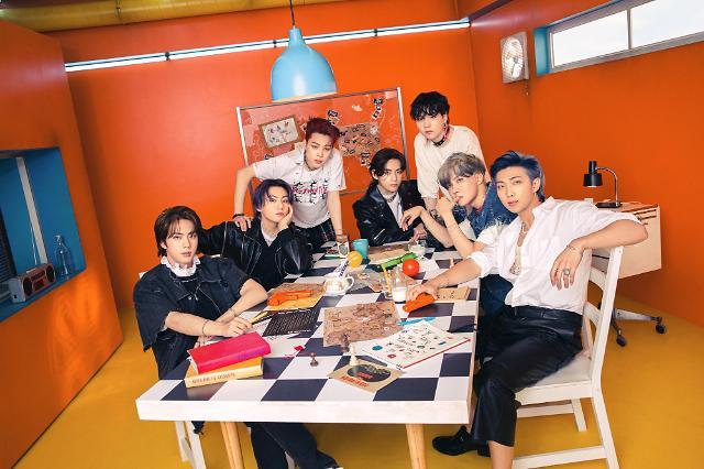 """名副其实""""世界弹""""!BTS再夺公告牌""""百大艺人""""排行榜冠军"""