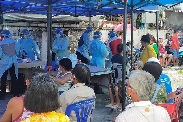[NNA] 태국 지역사회 감염자, 4일 연속 1만명 넘어