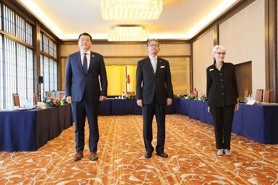 """한미일, 차관협의서 3국공조 논의...""""한반도 비핵화 방향 일치"""""""