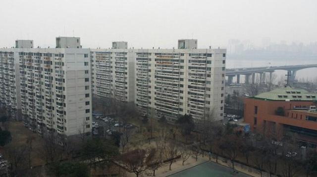 반백살 여의도 시범아파트, 재건축 골든타임 지나간다