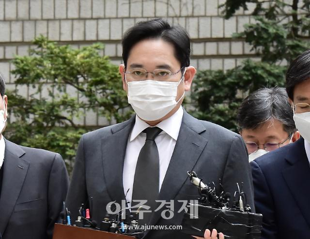 삼성물산·제일모직 합병전 실사 두고 공방…이재용 10번째 재판