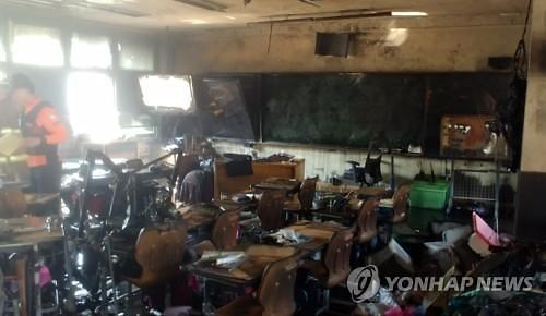 [도심속 시한폭탄, 노후건축물⑤] 학교 5곳 중 1곳 40년 이상 노후화…안전 무방비 노출