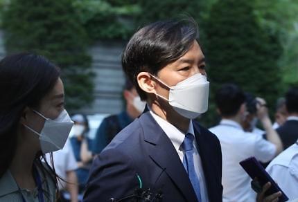 [김태현의 뒷끝 한방] CCTV 속 여학생 조국 딸 맞습니다