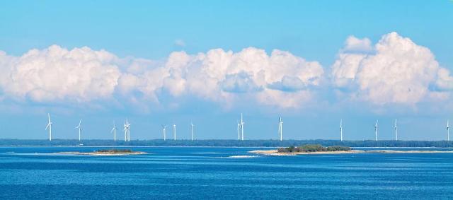 Hyundai shipyard develops floater model for offshore wind turbine