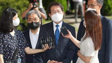 [뉴스분석] 교사 5인 특혜 채용 혐의 전면 부인 조희연···관련 쟁점은