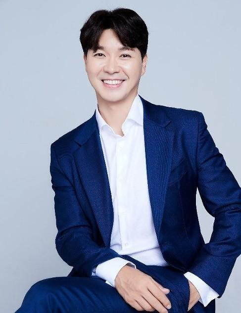 """박수홍, 비연예인과 혼인 신고…""""평범한 가정 꾸릴 것"""""""