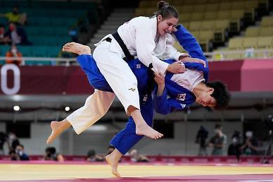 [도쿄올림픽 2020] 윤현지, 동메달 결정전으로…세계 1위 만나 반칙패