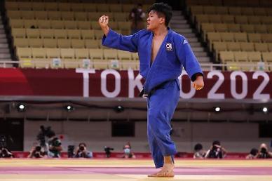 [도쿄올림픽 2020] 조구함, 남자 유도 100kg급 결승행…은메달 확보