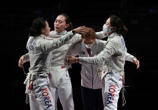 [도쿄올림픽 2020] 여자 사브르 올림픽 첫 메달 (포토)
