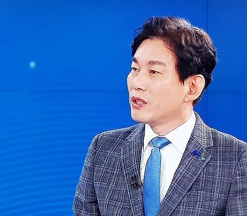 """이재명 대변인 """"가난탓 대리비 아끼려 음주운전"""" 발언 논란에 전격 사퇴"""