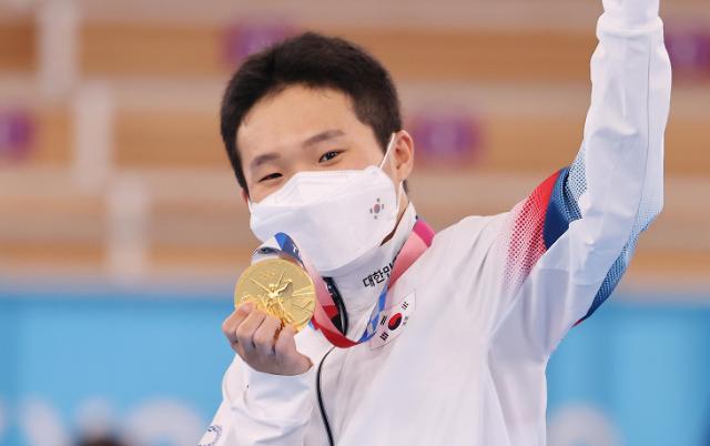 [도쿄올림픽 2020] 깜짝 금메달 획득하는 신재환 (포토)
