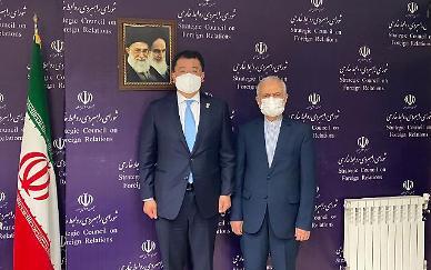 최종건 차관, 이란 대통령 취임식 참석...관계 강화 의지 전달