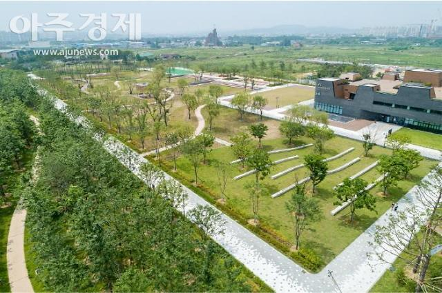 수원 '망포글빛공원', 대한민국 조경대상 장관상 수상