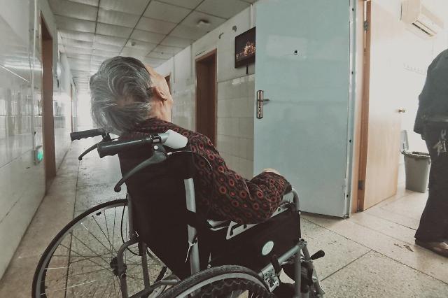 [NNA] 싱가포르, 전국 병원에 문병객 출입 금지... 코로나 확산 방지