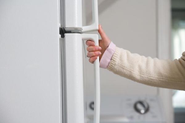 [홍승완의 짠내일기] ㉔ 냉장고 비우자 전기요금 고지서 숫자도 줄었다