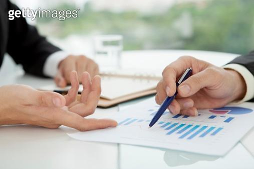 틈새시장 공략하자…보험사들 유병자보험 영업 강화