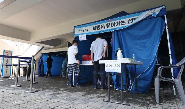 """[코로나19] 광복절 휴가 후폭풍 얼마나···""""오늘 1400명 안팎 확진"""""""